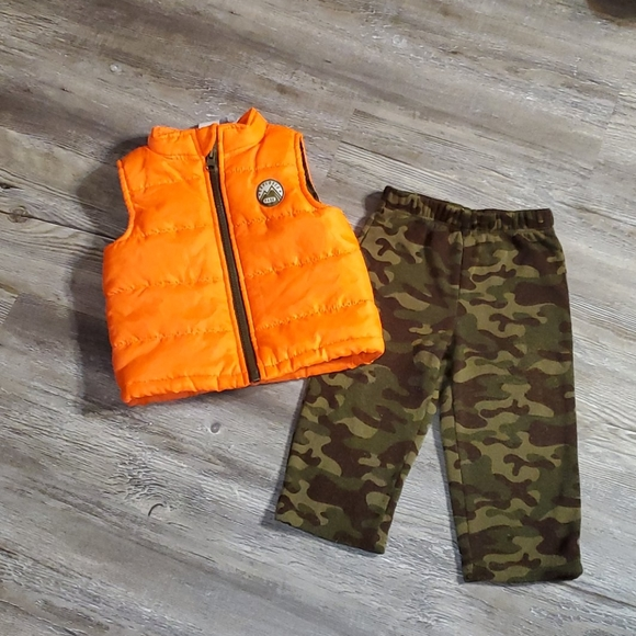 healthtex Other - 12 month outfit camo/neon orange